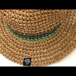 bc277a2fd29b4 Mountain Hardwear Accessories - Women s Mountain Hardwear Raffia Hat